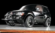 1:10 RC Mitsubishi Pajero Lowrider Black CC-01 Baukasten 58627 300058627